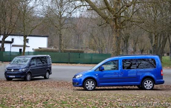 Gut 2 Liter Sparsamer im Verbrauch als der Transporter T5 mit identischem Diesel-Motor. 'Ist natürlich auch ne andere Welt. Für Camping finde ich den Caddy zu klein, es sei denn man hängt nen Caravan dran ;-)