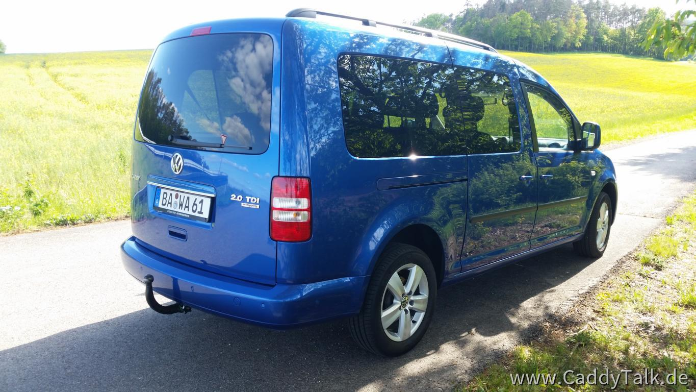 Anhängerkupplung, abnehmbar, original VW (Westfalia). Mit Tempo 100 km/h-Zulassung dank EAS.